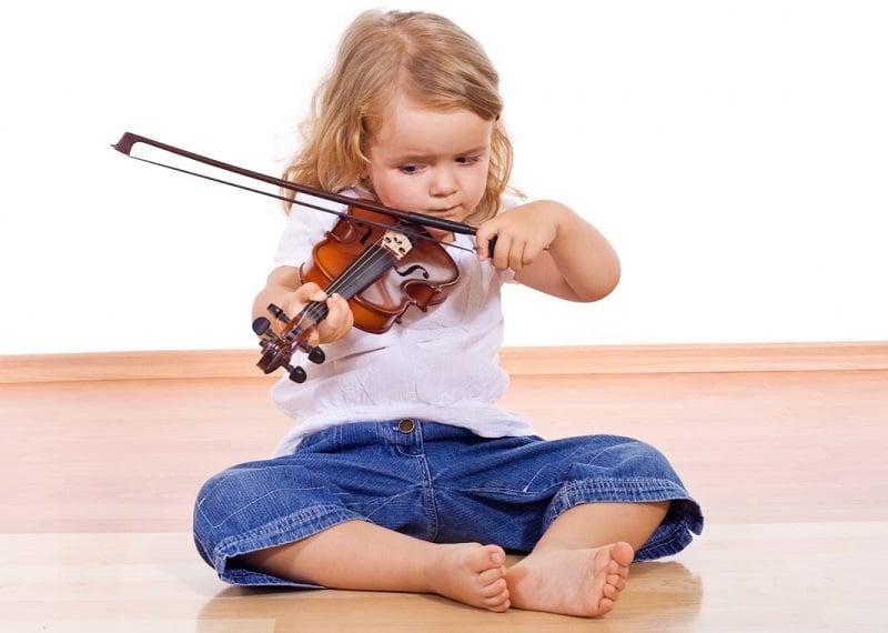 escuela infantil bilingüe en Valencia - clases de violín para niños en Valencia