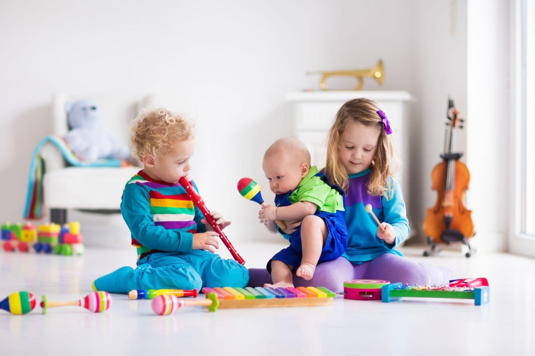iniciacion musical para niños en Valencia - niños con instrumentos