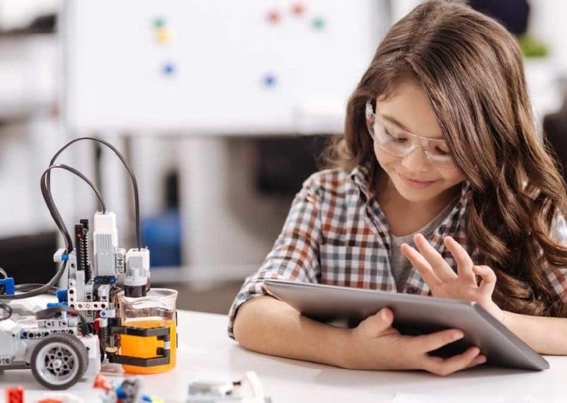 escuela infantil bilingüe en Valencia - robotica para niños en valencia