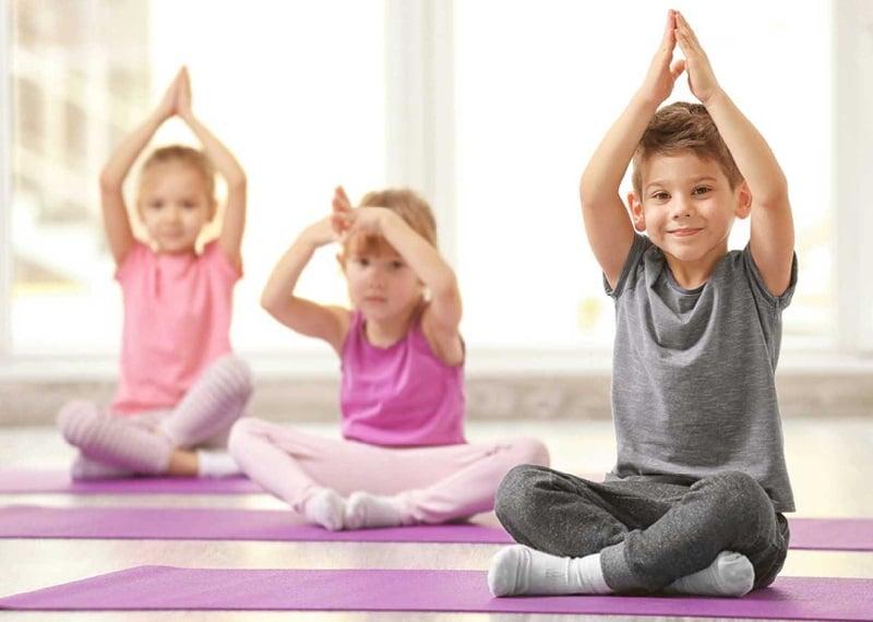 escuela infantil bilingüe en Valencia - clases de yoga para niños en Valencia