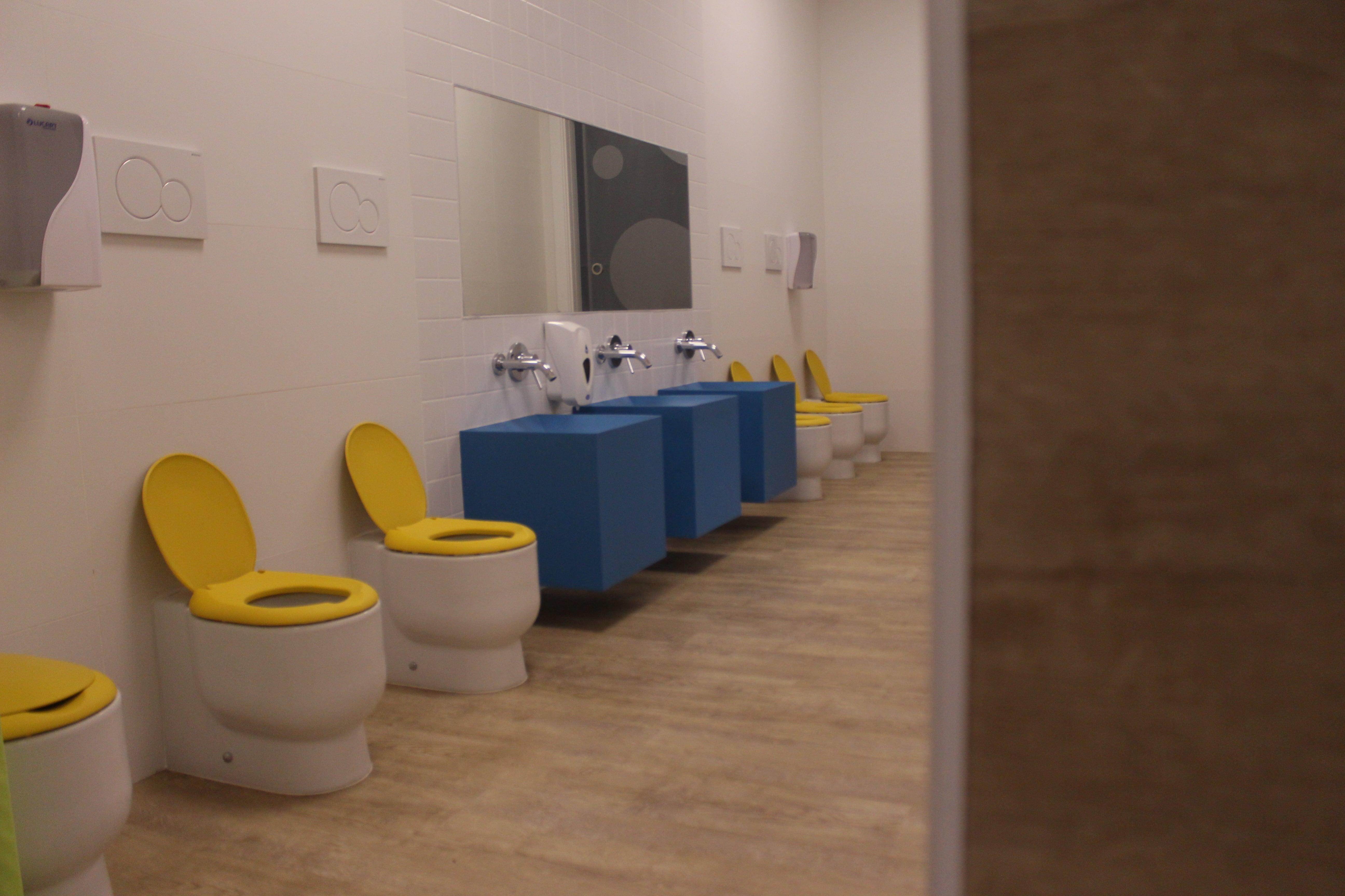 escuela infantil bilingüe en Valencia - baños