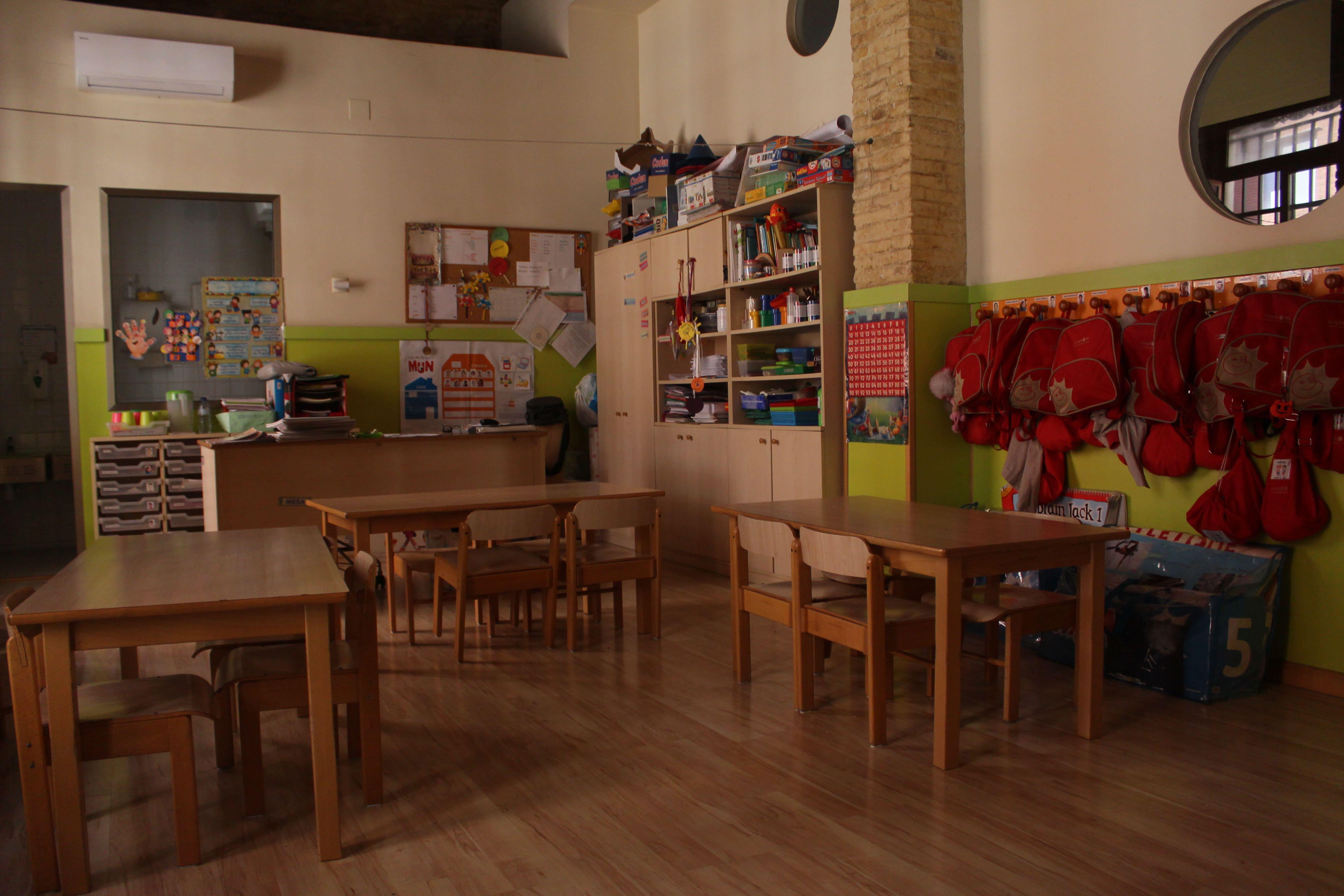 escuela infantil bilingüe en Valencia - clase con madera