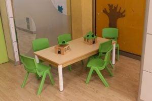 escuela infantil bilingüe en Valencia - escuela de sillas verdes