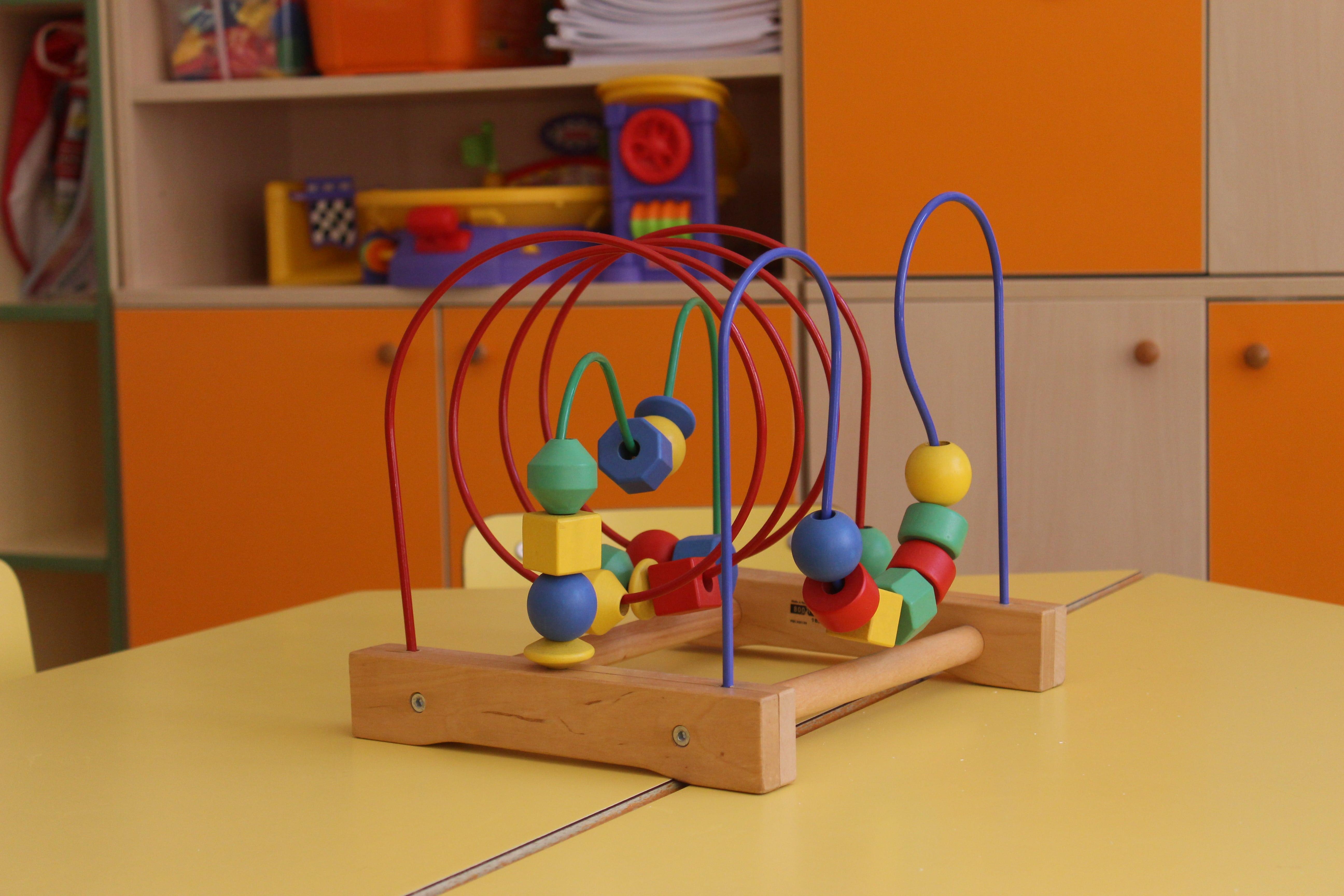 escuela infantil bilingüe en Valencia - juguete