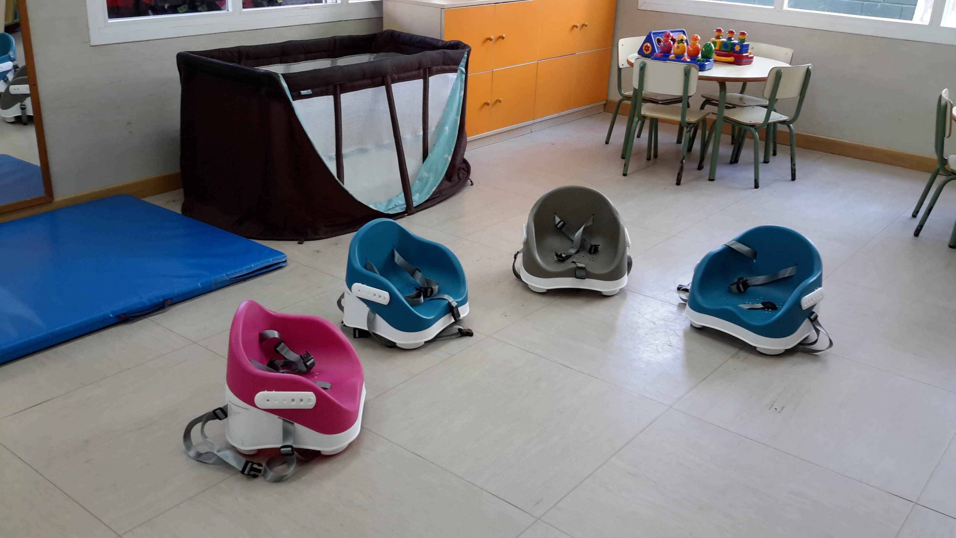 escuela infantil bilingüe en Valencia - silla con cunas