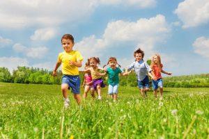 escuelas de verano en Valencia - niños corriendo