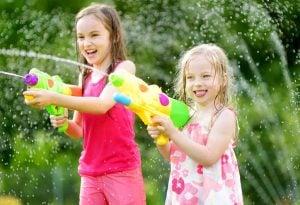 Escuelas de verano en Valencia - pistolas de agua