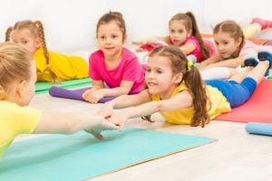escuela infantil en Valencia - yoga para niños