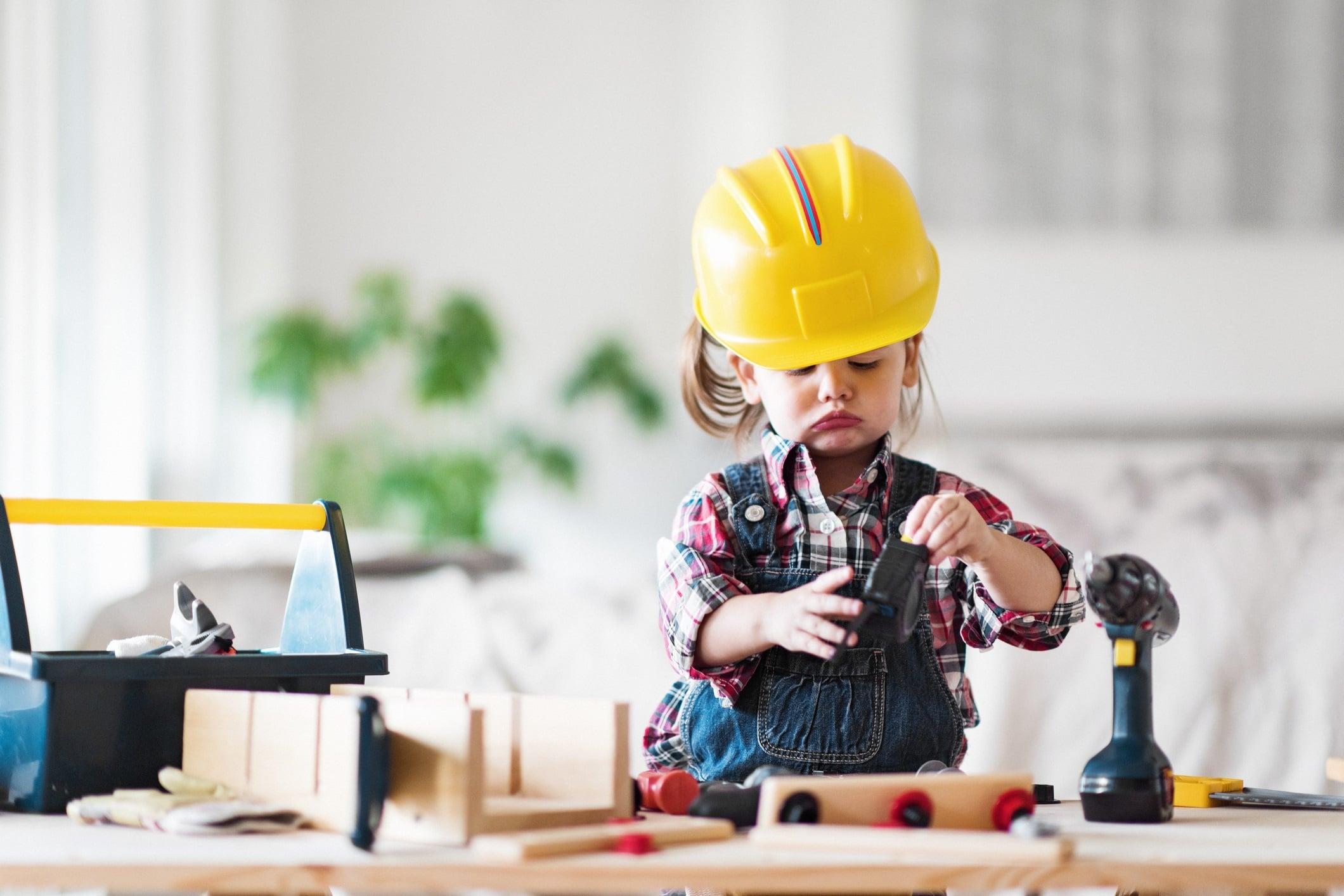 talleres-de-arquitectura-para-niños-en-Valencia-niña-jugando