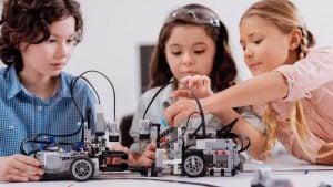 robotica educativa en Valencia - trabajo en equipo