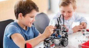 robotica educativa - niños con robots