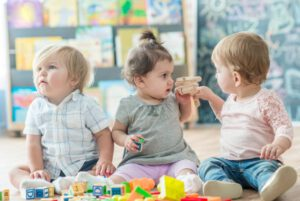 escuelas infantiles en Valencia - niños jugando