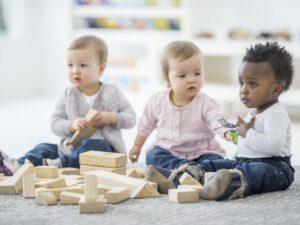 escuela infantil con inglés británico en Valencia - tres niños