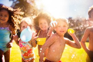 escuelas de vacaciones en Valencia - globos de agua