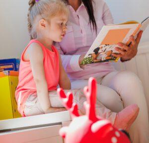 educación infantil concertada en Valencia - dando clases