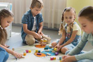 escuela infantil en Valencia - jugando