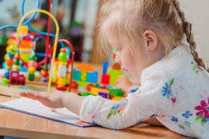servicios que ofrece nuestra escuela infantil en Valencia - niña