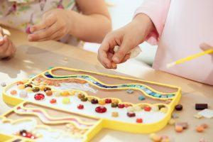 escuelas infantiles de verano en valencia - aprendiendo con manualidades
