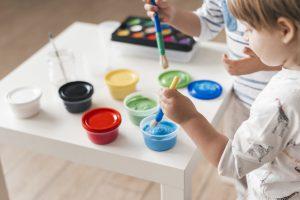 escuelas infantiles en valencia - pintura liquida