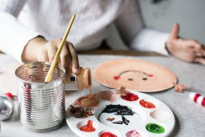 escuela de verano en valencia - pintando